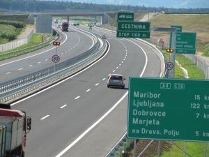 slovenie-autoroute-voiture-vignette-300x225